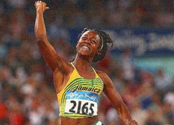 Női 100 m. Olimpiai Bajnok Shelly-Ann Fraser JAM 10.78 2. Sherone Simpson  JAM 10.98 és Kerron Stewart JAM 10.98 bad289dc93