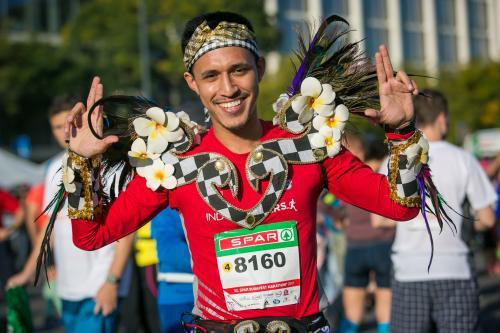 Az esemény apropóján Budapestre utazó futóturisták száma (kísérőkkel  együtt) becsléseink szerint eléri a 12.000 főt - ez nagyjából 40.000  vendégéjszaka ... 7376cbe3b8